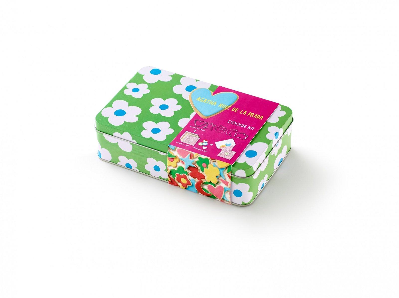 """Набор для печенья """"Цветы"""" AGATHA Lekue (5 формочек-контуров, набор конвертов)"""